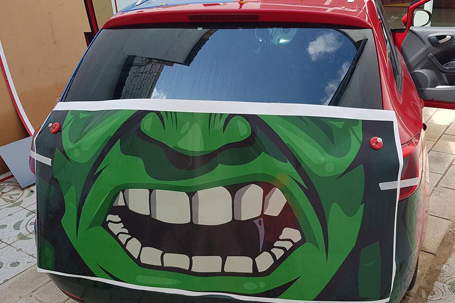 Vinilado coches Hulk instalación