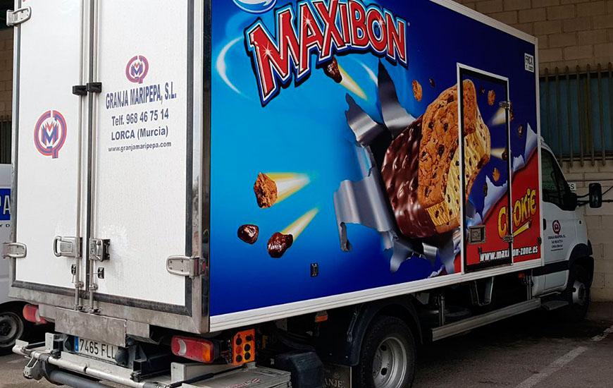 Rótulo helado en camión