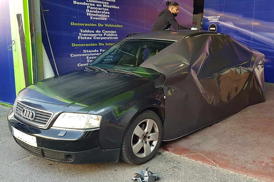 Comienzo de instalación en Audi de vinilo de fundición