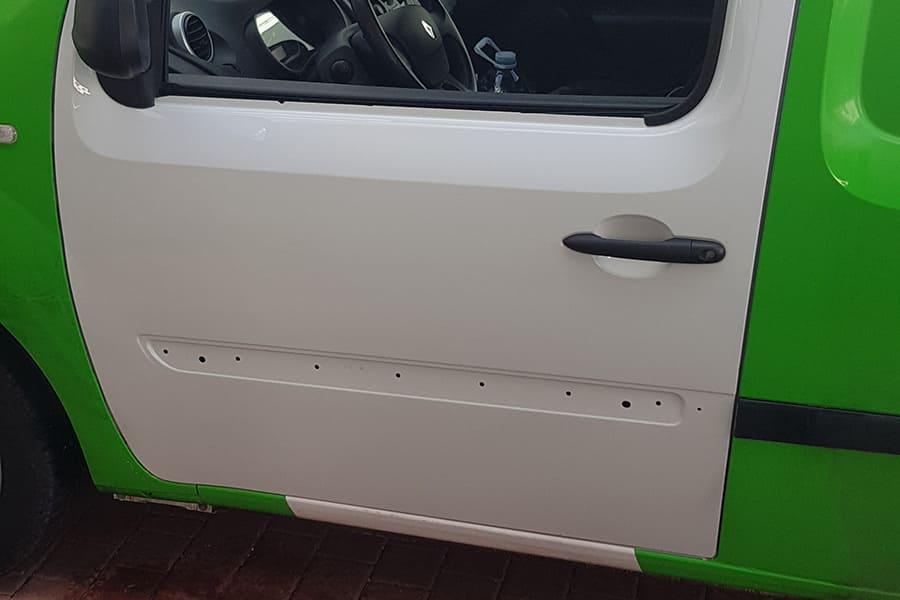 Rotulación parcial en furgoneta