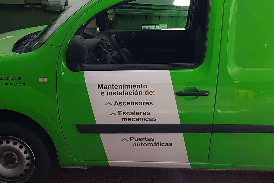 Rotulación parcial puerta furgoneta Eninter