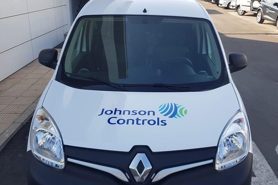 Instalación de vinilo de corte en capó de furgoneta de Johnson Controls