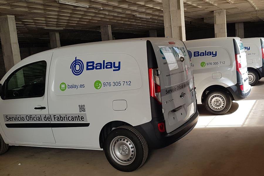 Instalación de vinilo de corte en furgonetas de servicio técnico de Balay